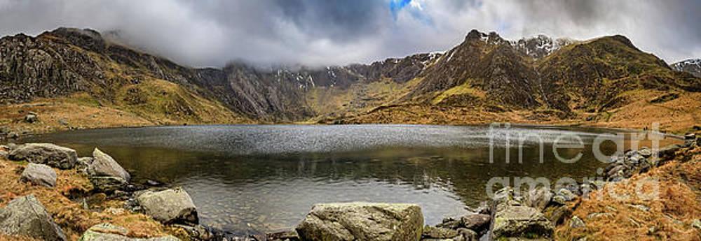 Adrian Evans - Lake Idwal Winter Panorama