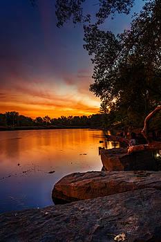 Chris Bordeleau - Lake Kirsty Twilight - Vertical