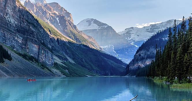 Lake Louise by William Cruz