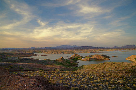Lake Mead by Lana Trussell