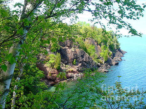 Lake Superior Beauty by Jaunine Roberts