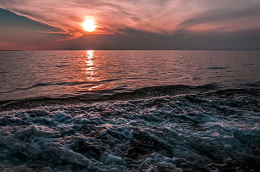Lake Superior Sunset by Lonnie Paulson