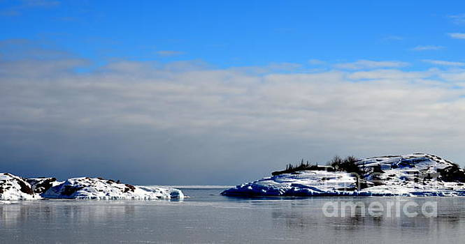 Lake Superior Winter Colors by Jaunine Roberts