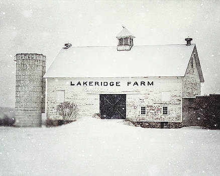 Lakeridge Farm in the Snow by Lisa Russo