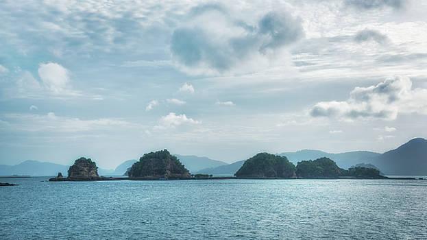 Land of thousand islands by Zina Zinchik