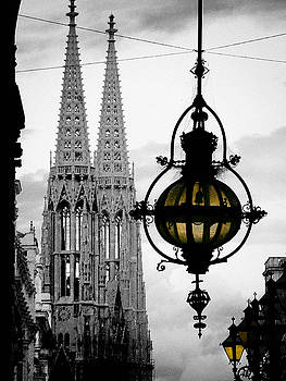 Lantern and Stephen's cathedral in Vienna by Mirko Dabic