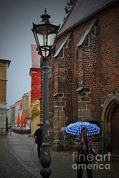 Jost Houk - Lantern in the rain