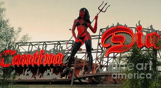 Gregory Dyer - Las Vegas  Devil Woman