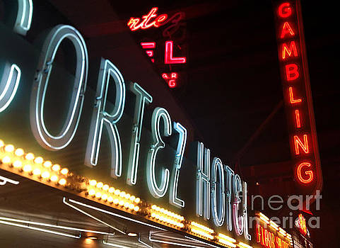 Gregory Dyer - Las Vegas Neon Sign