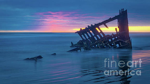 Last Light at the Peter Iredale by Jerry Fornarotto
