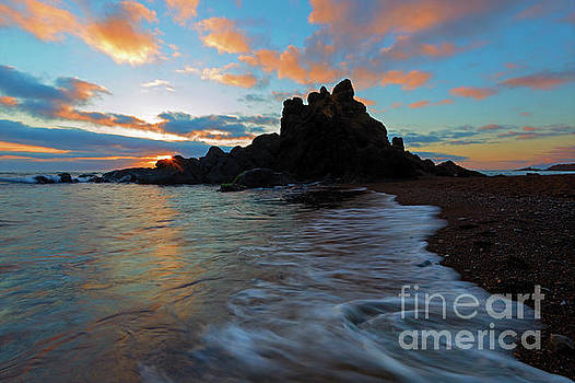 Last Light on Fogarty Beach by Mike Dawson