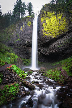 Latourell Falls in Oregon by James Udall
