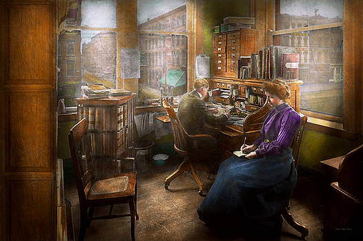 Mike Savad - Lawyer - Always taking notes - 1902