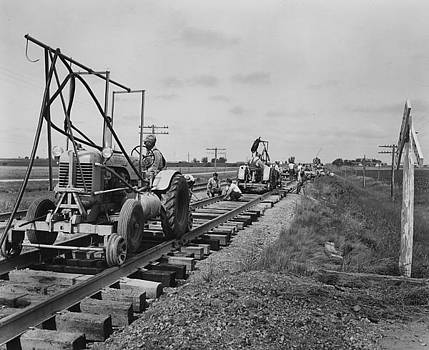 Chicago and North Western Historical Society - Laying Down Tracks - 1957