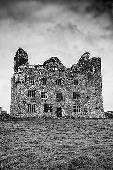 Leamaneh Castle by Martina Fagan
