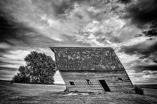 Leaning Barn of Tuttle by Jeff Swanson