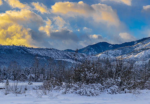 Leavenworth pano 2/3 by LiveforBlu Gallery