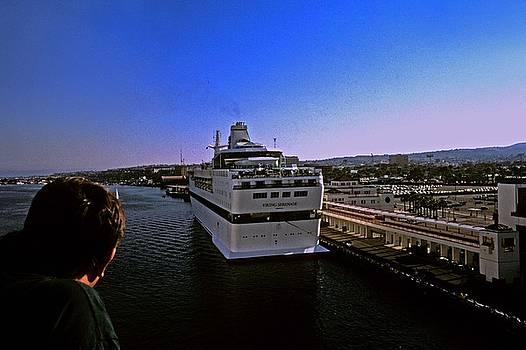Gary Wonning - Leaving Port
