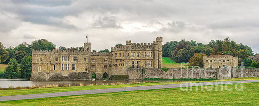 Sophie McAulay - Ledds Castle Kent England