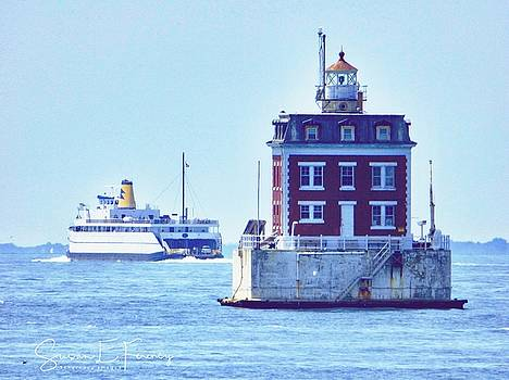 Ledge Lighthouse by Susan Ferency