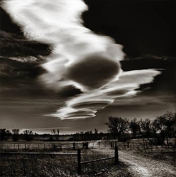 Marilyn Hunt - Lenticular Clouds of Colorado
