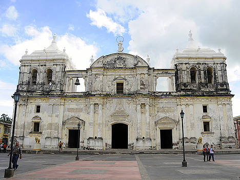 Rosa Diaz - Leon Cathedral
