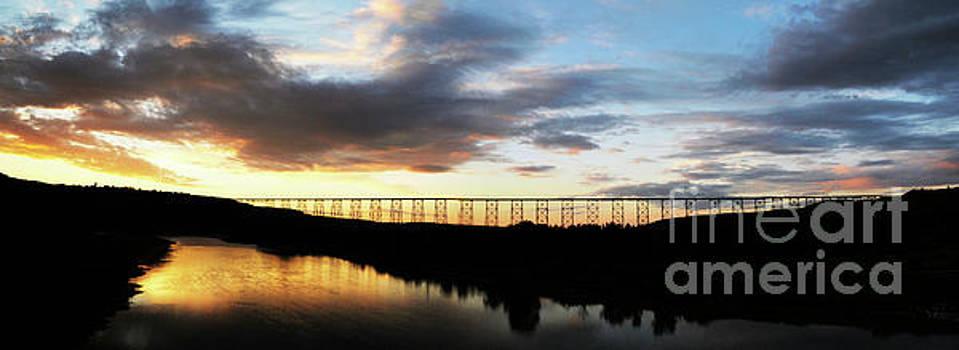 Vivian Christopher - Lethbridge Bridge Sunset Panorama