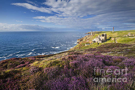 Levant tin mine, Cornwall, England. by Justin Foulkes