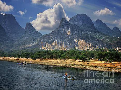 Li River China by Lynn Bolt