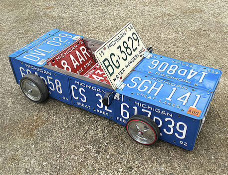 Design Turnpike - License Plate Vintage Roadster Mobile made from Recycled Michigan Car Tags