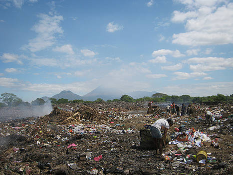 Life in Limonal Landfill by Rosa Diaz