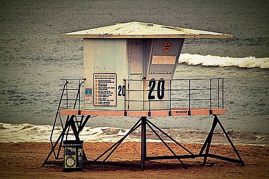Lifeguard House Huntington Beach by Carol Tsiatsios