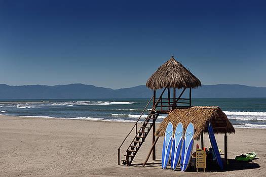 Reimar Gaertner - Lifeguard tower and activity hut on beach of Nuevo Vallarta Mexi