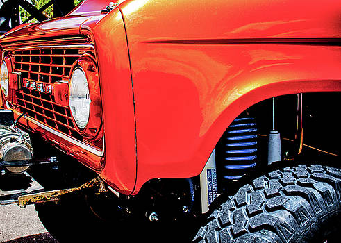 Lifted Bronco by SR Green