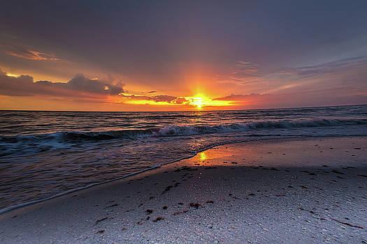 Light Along The Shore by Everett Houser