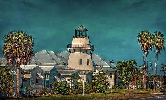 Lighthouse Club by Hanny Heim