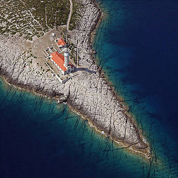 Lighthouse by Darko Rom