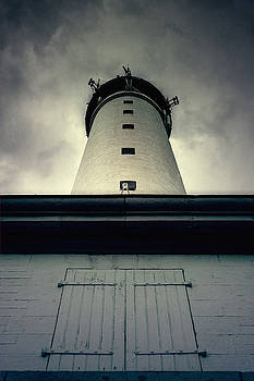 Lighthouse by Mickael PLICHARD