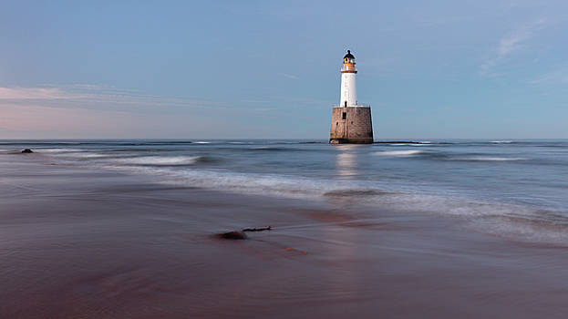 Lighthouse by Grant Glendinning