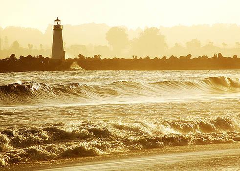 Marilyn Hunt - Lighthouse Sunset