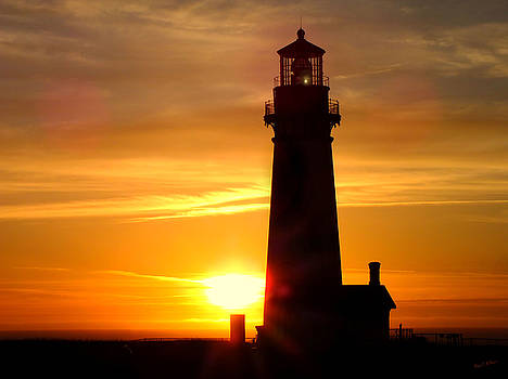 Lighthouse Yaquina Head Newport Oregon by Wendy McKennon