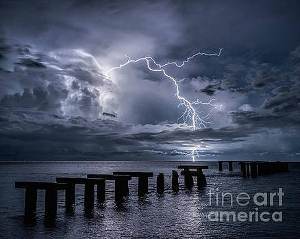 Lightning off the coast of Boca Grande by Damon Powers