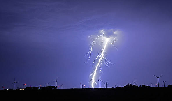 Lightning Strike 4 by Steve  Yezek