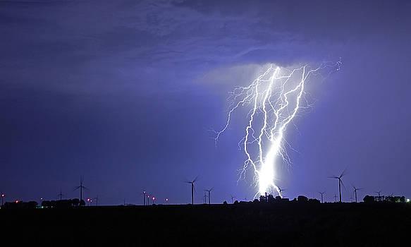Lightning Strike 5 by Steve  Yezek