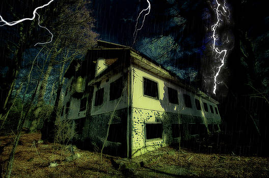 Enrico Pelos - LIGHTNINGS ON ABANDONED HOTEL ON LIGURIA MOUNTAINS HIGH WAY - Fulmini su hotel abbandonato sull