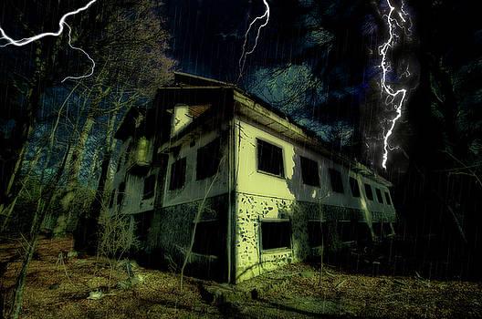 Enrico Pelos - LIGHTNINGS ON ABANDONED HOTEL ON LIGURIA MOUNTAINS HIGH WAY - Fulmini su hotel abbandonato sull