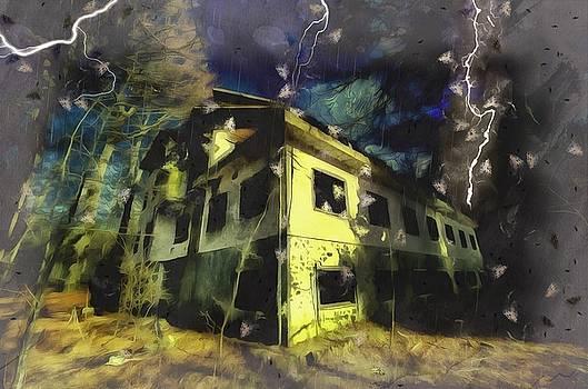 LIGHTNINGS ON THE ABANDONED HOTEL ON THE HW MOUNTAINS - Fulmini su hotel abbandonato sull'AV by Enrico Pelos