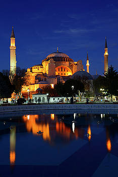 Reimar Gaertner - Lights on Hagia Sophia at dusk with reflections in fountain Ista