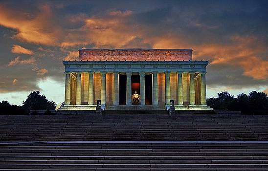 Lincoln Memorial at Dusk by Scott Fracasso