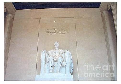 Lincoln Memorial by Kevin Croitz